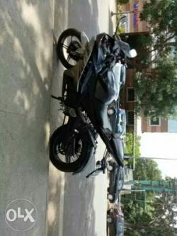 Bike on sale-Vehicles-Motorcycles & Motorbikes-Yamaha-Bangalore