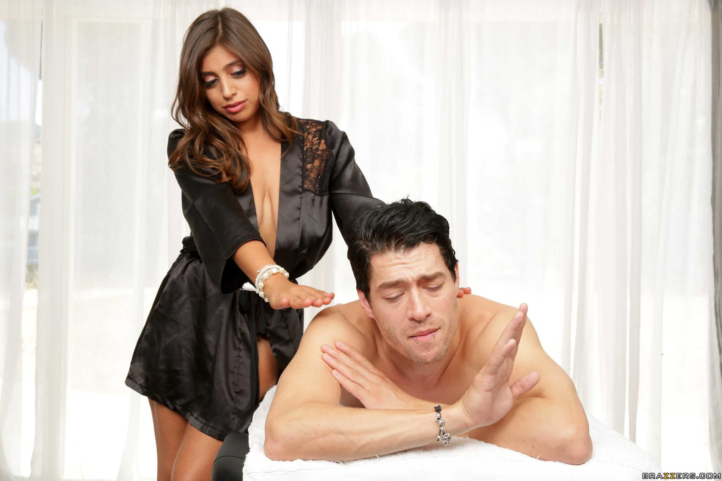 Female to Male Body to Body Massage in Vadodara -Spa & Salon-Massage-Deep Tissue Massage-Vadodara
