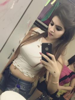 BEST FEGERS CHUBBY GIRL'S AND AUNTY'S AVAILABLE IN HERE-Spa & Salon-Massage-Kolkata