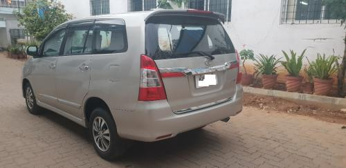 2015 Toyota innova VX gold very good running condition-Vehicles-Car Parts & Accessories-Bangalore