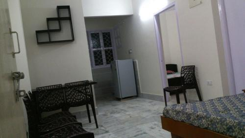 1 BR, 700 ft² – 2 room fully furnished Flat with Kitchen-Real Estate-For Rent-Flats for Rent-Patna